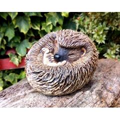 Hoglet - Handmade in stoneware clay